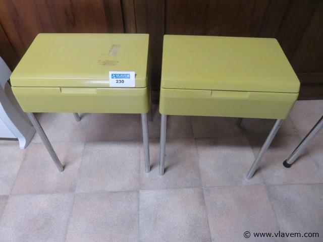 Vintage bijzetstoeltjes, openklapbaar, 2 stuks