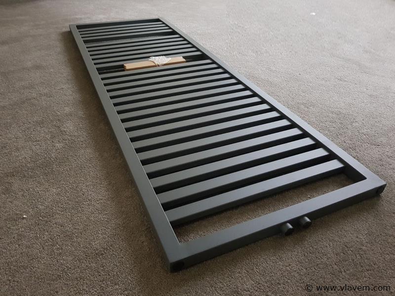 1 st. H1825 x B600 Strakke design badkamerradiator mat antraciet