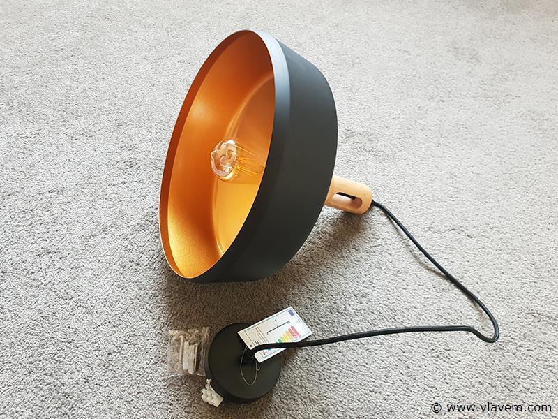 1 st. Modern hanglamp mat zwart ijzer met houten E27 fitting - 350mm
