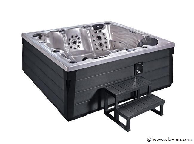 Outdoor spa Aristech