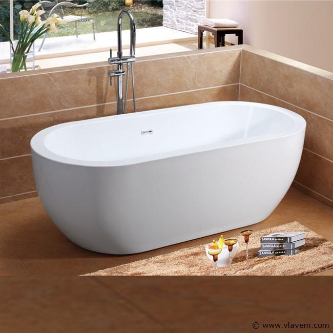 1 Persoons vrijstaand bad, 173x78x75 cm.