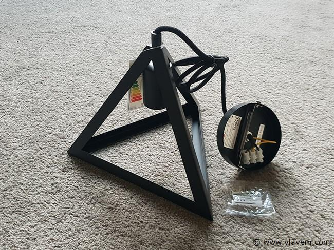 1 st. Geometrisch design hanglampen mat zwart driehoek met E27 fitting - 250mm