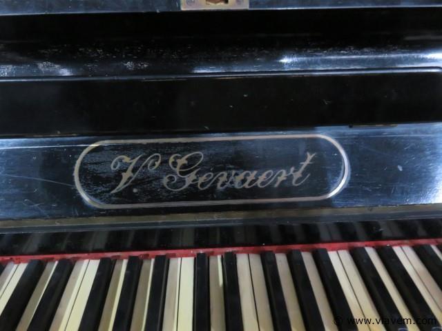 Buffetpiano V.Gevaert