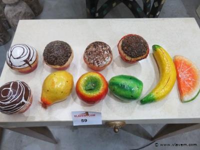 Fruit en taartjes, papier machée, 10 stuks