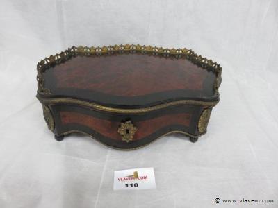 Antieke juwelendoos/ opmaakdoos, rond 1880 met schildpadinleg