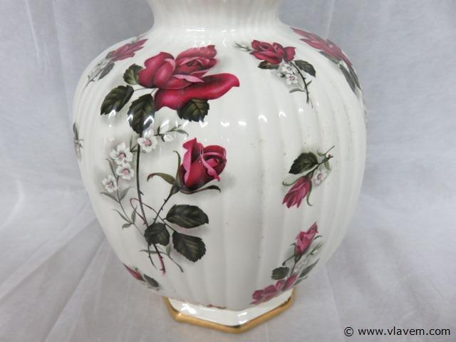 Porseleinen vaas met bloemen, 44cm