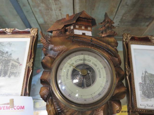 Houten barometer en 2 kadertjes