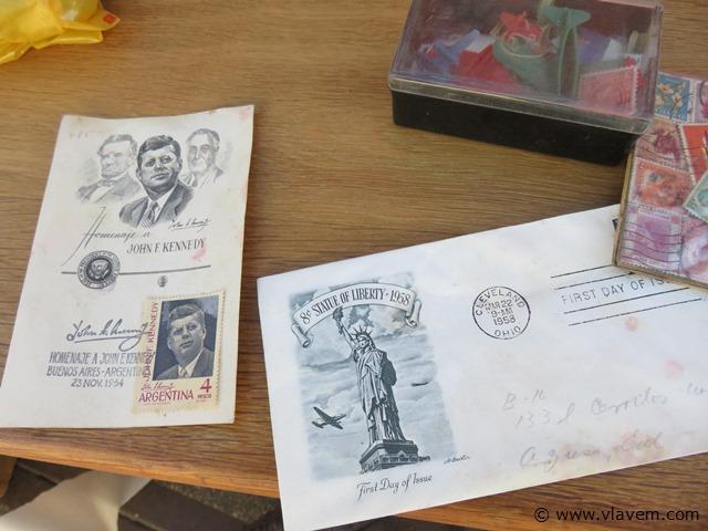 Postzegelboeken, 2 stuks en losse zegels, groot lot