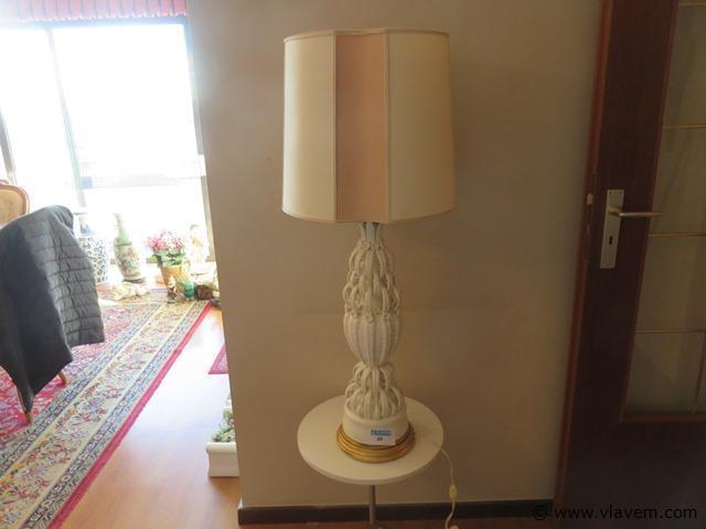 Porseleinen lamp, heel speciaal, gestempeld, 100cm