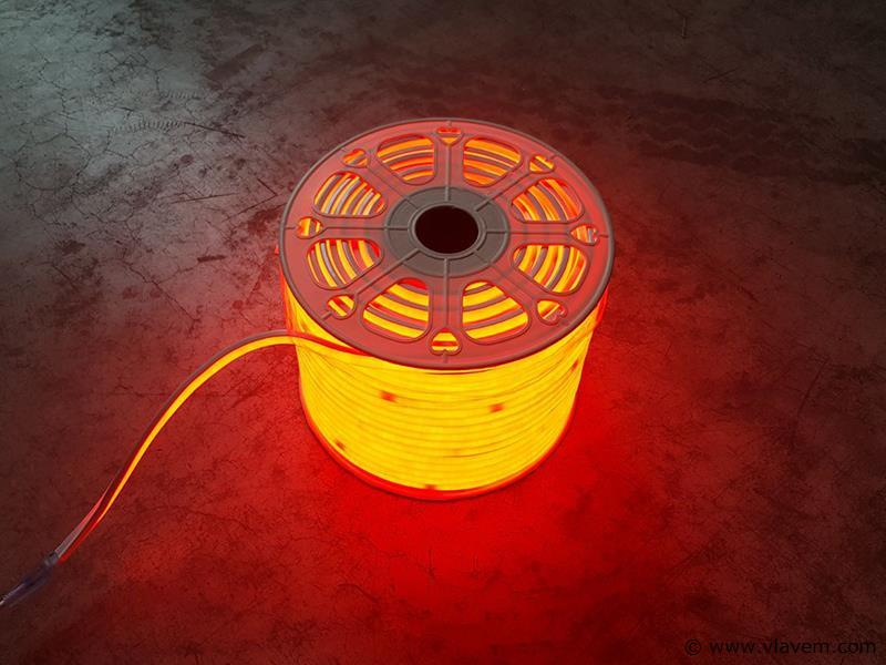 1st. 100 meter neon flex LED - Rood