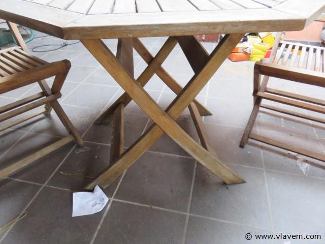 Teak Tuintafel (diameter 100cm) met 2 stoelen