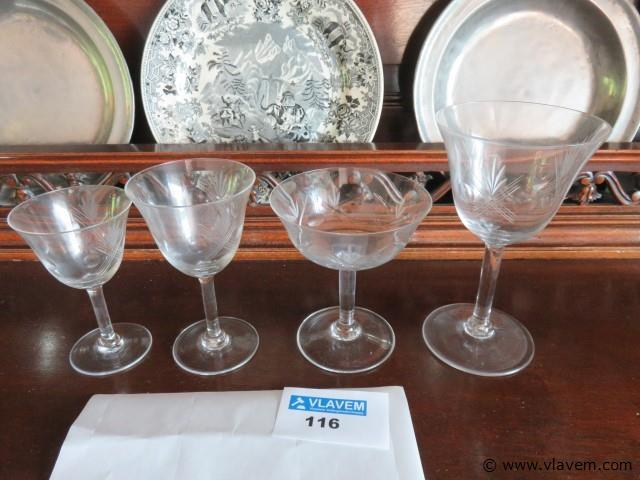 Kristallen glasservies, 48-delig (living kast)