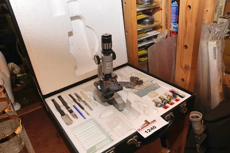 Microscoop in koffer