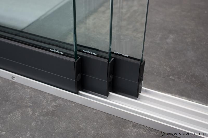 Glazen schuifdeursysteem 3 deurs, veiligheidsglas 10 mm, 2940mm breed, 2000mm hoog, antraciet structuur, RAL7016S