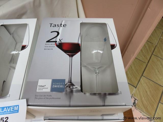 Wijnglazen, nieuw, 12 stuks (veranda)