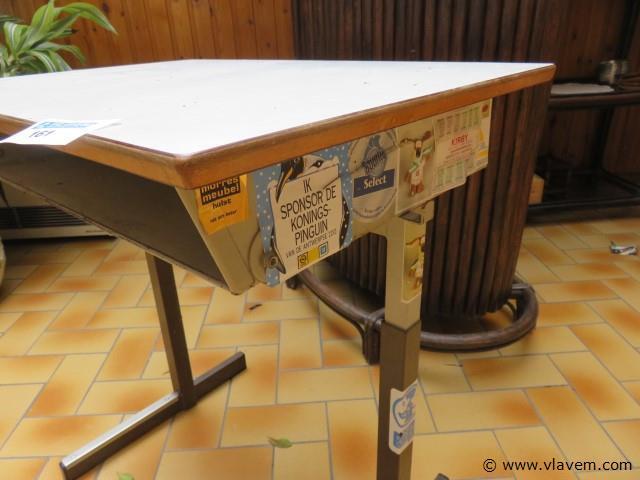 Vintage lessenaar 70x48x68cm (veranda)