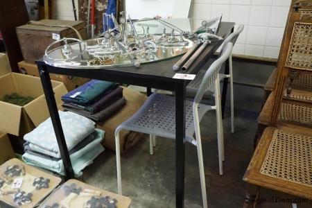 Keukentafel met 2 stoelen