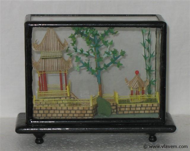 diorama  bamboe landschap    hoogte 10 cm en breedte 13 cm nr. 26