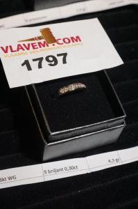 Ring wit goud briljant