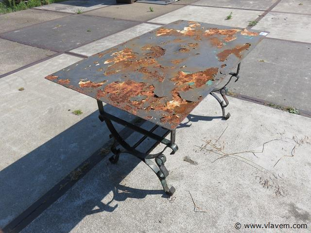 Antieke metalen tuintafel, 72x127x68 cm (con)