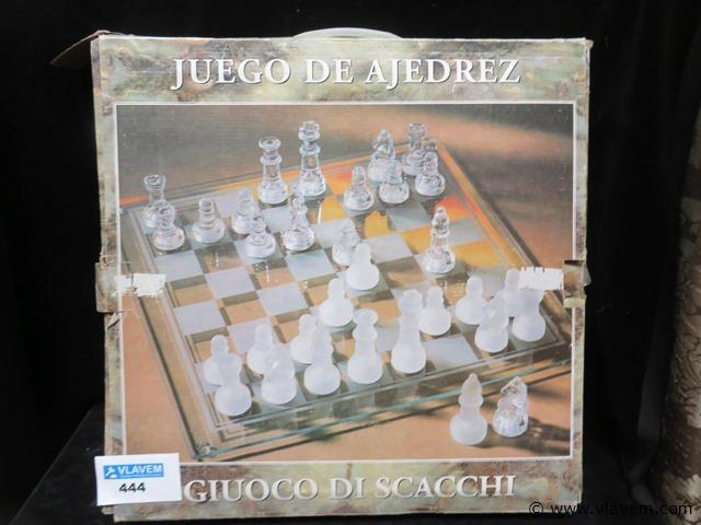 Glazen schaakbord compleet
