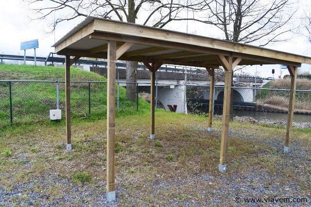 Carport / overkapping met doorrijhoogte van 210cm. zonder dakplaat