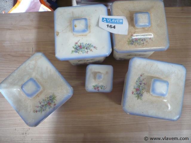 oude voorraad potten