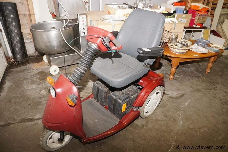 Invalide scooter(opgelet geen lader)