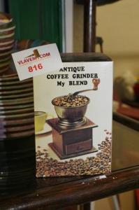 Antieklook koffiemolen in hout