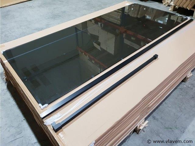 1 st. Inloopdouche rookglas met mat zwart profiel - 140 x 200 - Glasdikte 8mm