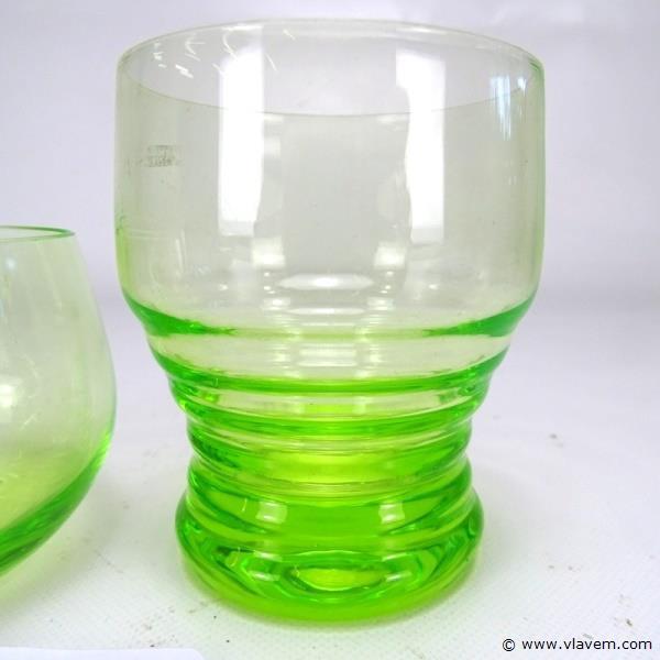 Paar annagroene glazen