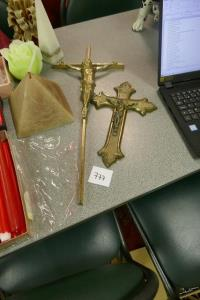 Kruisbeelden in koper
