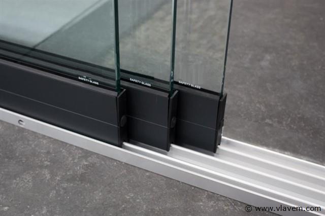 Glazen schuifdeursysteem 3 deurs, veiligheidsglas 10 mm, 2940mm breed, 2400mm hoog, antraciet structuur, RAL7016S
