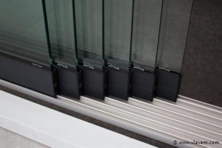 Glazen schuifdeursysteem 6 deurs, veiligheidsglas 10 mm, 5880mm breed, 2250mm hoog, antraciet structuur, RAL7016S