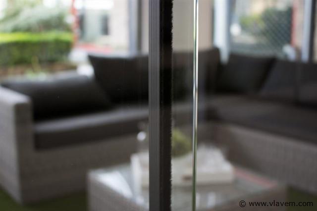 Tochtstrips voor 5 deurs systeem, crémewit, RAL9001