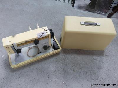 Vintage naaimachine Naumann