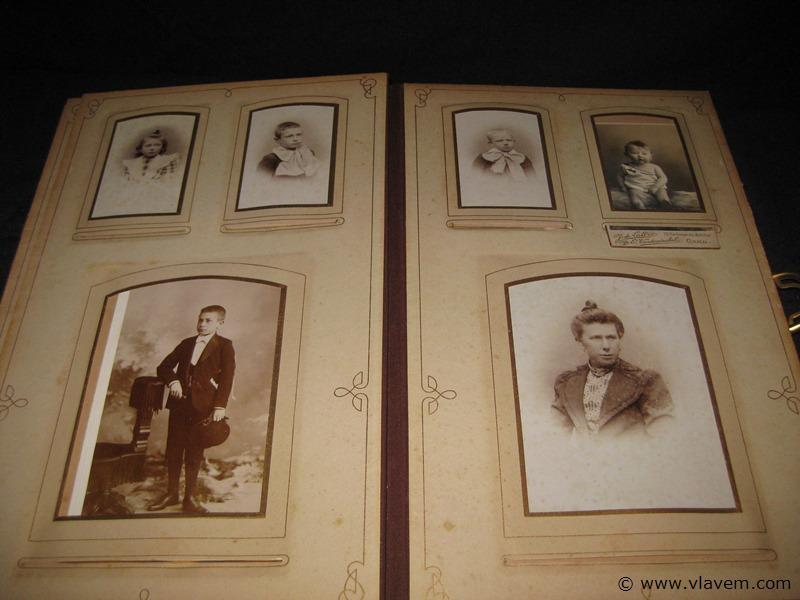 Zeer oud album met diverse oude foto's