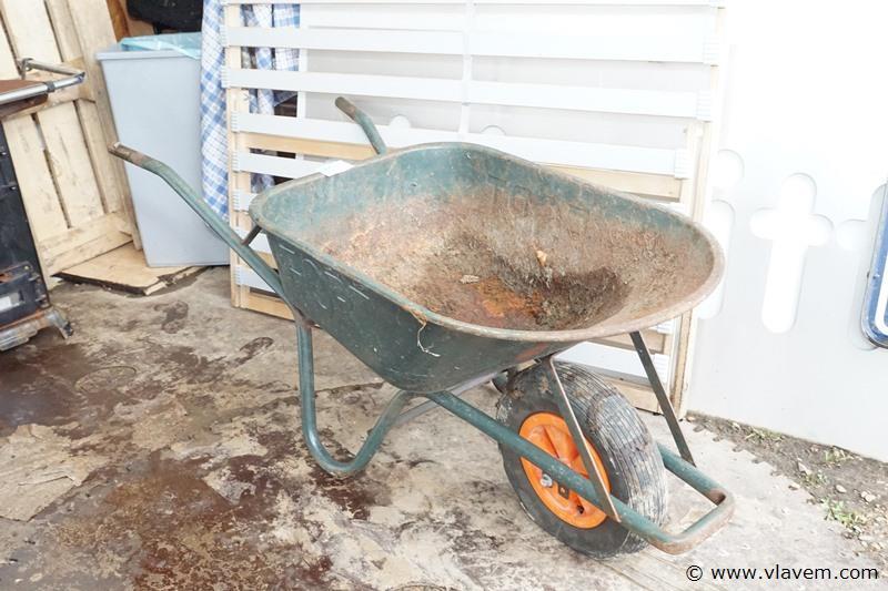 Kruiwagen in ijzer