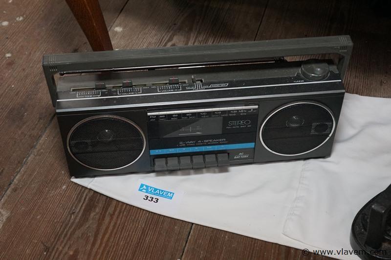Oude radio cassettespeler