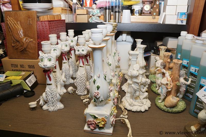 Partij ongebruikte vintage lampadérevoeten in porselein