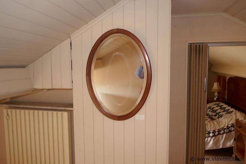 Ovalen spiegel