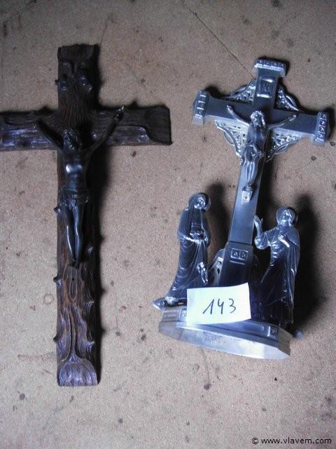 2 antieke kruisbeelden