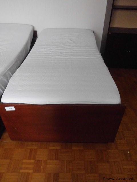 1 persoonsbed met lades + matras