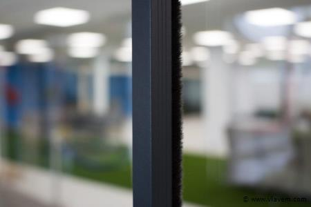 Tochtstrips voor 4 deurs systeem, crémewit, RAL9001