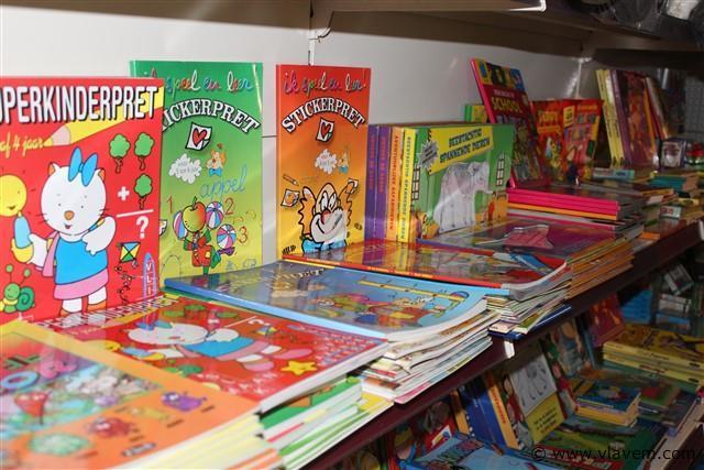 puzzel-lees-sticker-kleur-spelletjes