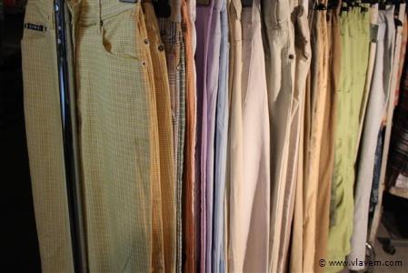 80 stuks dameskledij