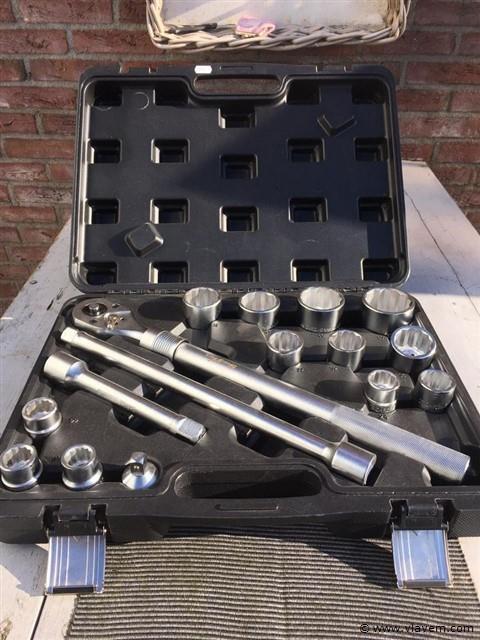 Socket wrench set 16-delig