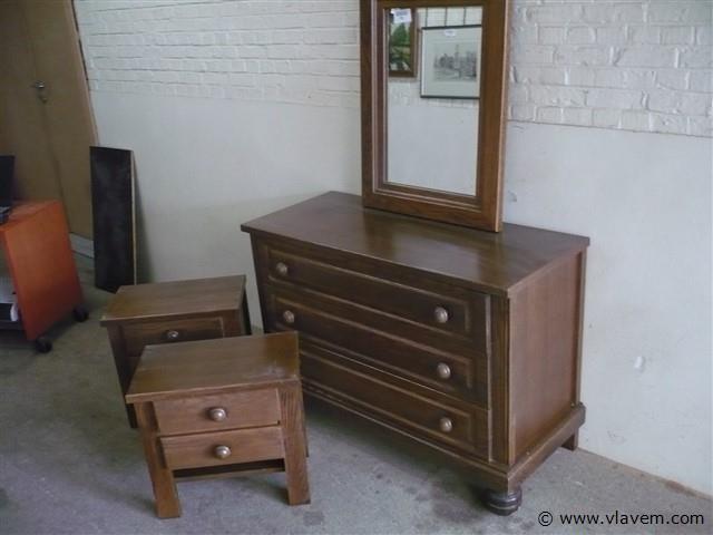 commode,spiegel en nachtkasten