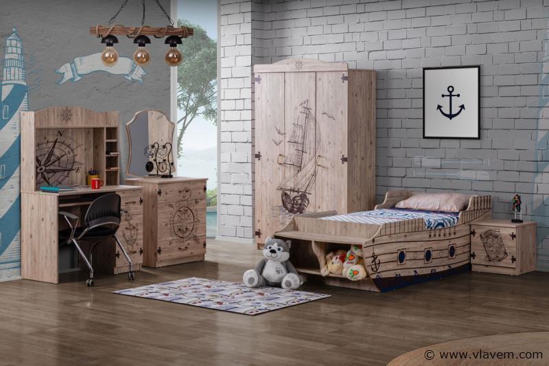Marin houten bed met kist