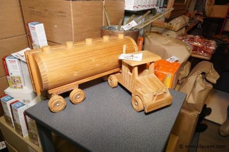 Vrachtwagen in hout